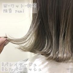 シルバーアッシュ モード ハイライト 切りっぱなしボブ ヘアスタイルや髪型の写真・画像