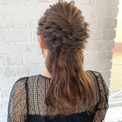 ベージュ ナチュラル 簡単ヘアアレンジ 結婚式 ヘアスタイルや髪型の写真・画像