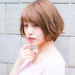 グレージュ 透明感 フェミニン デート ヘアスタイルや髪型の写真・画像