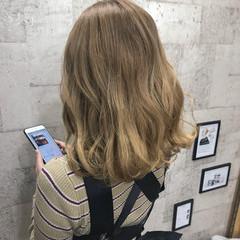 エレガント 上品 ハイトーン ブリーチ ヘアスタイルや髪型の写真・画像