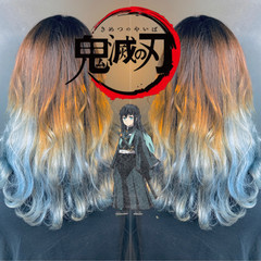 アッシュグレージュ アッシュグレー グラデーションカラー グレーアッシュ ヘアスタイルや髪型の写真・画像