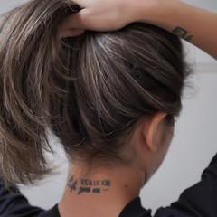 極細ハイライト セミロング 3Dハイライト 大人ハイライト ヘアスタイルや髪型の写真・画像