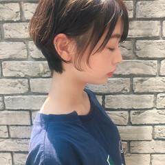 耳かけ 小顔 似合わせ ショート ヘアスタイルや髪型の写真・画像