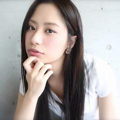 大人かわいい 外国人風 ストレート 暗髪 ヘアスタイルや髪型の写真・画像