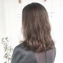 ミディアム 透明感カラー ヘアカラー イルミナカラー ヘアスタイルや髪型の写真・画像