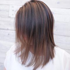 ハイトーン バレイヤージュ ヘアアレンジ ナチュラル ヘアスタイルや髪型の写真・画像