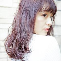 グラデーションカラー セミロング ラベンダーピンク グレージュ ヘアスタイルや髪型の写真・画像