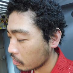 パーマ 黒髪 アフロ ショート ヘアスタイルや髪型の写真・画像