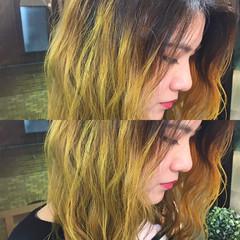 ストリート ミディアム イエロー グラデーションカラー ヘアスタイルや髪型の写真・画像