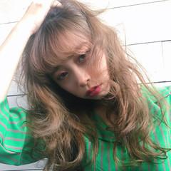 ウェーブ 小顔 フリンジバング こなれ感 ヘアスタイルや髪型の写真・画像