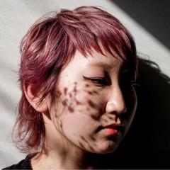 ラベンダーピンク ピンク モード ウルフカット ヘアスタイルや髪型の写真・画像