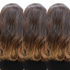 ストリート セミロング グラデーションカラー アッシュベージュ ヘアスタイルや髪型の写真・画像