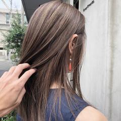 ブリーチカラー ヘアカラー アッシュ ナチュラル ヘアスタイルや髪型の写真・画像