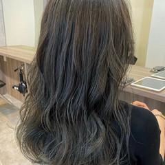 艶カラー 髪質改善トリートメント 艶髪 セミロング ヘアスタイルや髪型の写真・画像