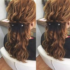 ハーフアップ ウェーブ フェミニン 結婚式 ヘアスタイルや髪型の写真・画像