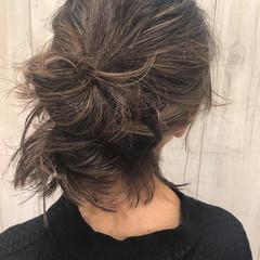 簡単ヘアアレンジ ミディアム アンニュイほつれヘア デート ヘアスタイルや髪型の写真・画像