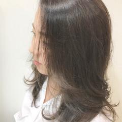 アッシュグレージュ 上品 オフィス アッシュベージュ ヘアスタイルや髪型の写真・画像
