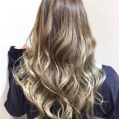 フェミニン ロング グラデーションカラー イルミナカラー ヘアスタイルや髪型の写真・画像