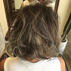 ボブ グレージュ ハイライト アッシュ ヘアスタイルや髪型の写真・画像