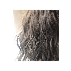 モード アッシュグレージュ ロング 外国人風 ヘアスタイルや髪型の写真・画像