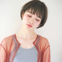リラックス ショート 外国人風カラー アッシュ ヘアスタイルや髪型の写真・画像