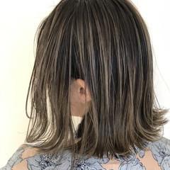 3Dハイライト バレイヤージュ 大人ハイライト ストリート ヘアスタイルや髪型の写真・画像