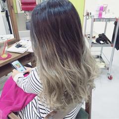 ストリート グラデーションカラー 暗髪 セミロング ヘアスタイルや髪型の写真・画像