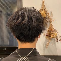スパイラルパーマ メンズ 無造作パーマ ストリート ヘアスタイルや髪型の写真・画像