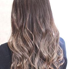 グラデーションカラー バレイヤージュ セミロング 外国人風カラー ヘアスタイルや髪型の写真・画像