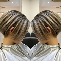 グレージュ ショートヘア 外国人風カラー ストリート ヘアスタイルや髪型の写真・画像