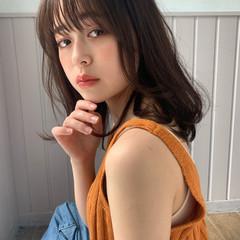 ミディアムヘアー 鎖骨ミディアム ナチュラル ミディアムレイヤー ヘアスタイルや髪型の写真・画像