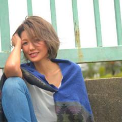 グラデーションカラー ショート 秋 色気 ヘアスタイルや髪型の写真・画像