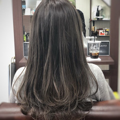 ナチュラル ミディアム ハイライト ミルクティーベージュ ヘアスタイルや髪型の写真・画像