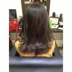 ラベンダーアッシュ 外国人風 ミディアム グレージュ ヘアスタイルや髪型の写真・画像