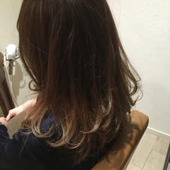 ミディアム グラデーションカラー 大人かわいい 外国人風 ヘアスタイルや髪型の写真・画像