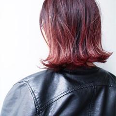 外ハネ ストリート 艶髪 ウェットヘア ヘアスタイルや髪型の写真・画像