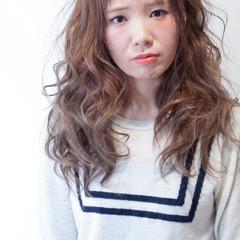 前髪あり ゆるふわ ストリート ロング ヘアスタイルや髪型の写真・画像