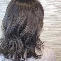 艶カラー アッシュブラウン 透明感 フェミニン ヘアスタイルや髪型の写真・画像