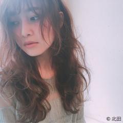 パーマ 前髪あり フェミニン 外国人風 ヘアスタイルや髪型の写真・画像