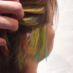 ウルフカット インナーカラー ショート ブリーチ ヘアスタイルや髪型の写真・画像