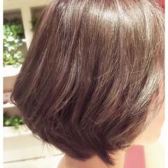 スモーキーアッシュ アッシュ ボブ 外国人風 ヘアスタイルや髪型の写真・画像