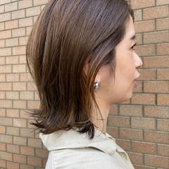 ミディアム ナチュラル インナーカラー ミディアムレイヤー ヘアスタイルや髪型の写真・画像