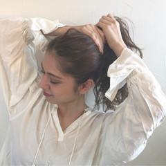 ロング ナチュラル 外国人風 波ウェーブ ヘアスタイルや髪型の写真・画像