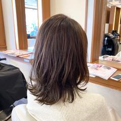 レイヤースタイル レイヤーボブ ミディアム 切りっぱなしボブ ヘアスタイルや髪型の写真・画像