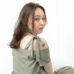 透明感 アッシュ リラックス 秋 ヘアスタイルや髪型の写真・画像