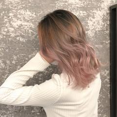 バレイヤージュ 外国人風カラー ママ 前下がり ヘアスタイルや髪型の写真・画像