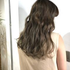 ハイトーンカラー ハイライト ストリート アッシュ ヘアスタイルや髪型の写真・画像