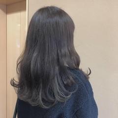 フェミニン ロング インナーカラーグレージュ インナーカラー ヘアスタイルや髪型の写真・画像