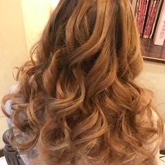 ロング ハイライト イルミナカラー アッシュ ヘアスタイルや髪型の写真・画像