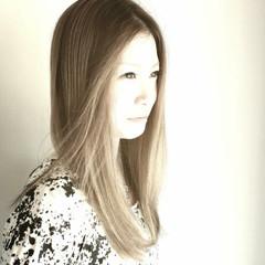 外国人風 レイヤーカット 大人かわいい ナチュラル ヘアスタイルや髪型の写真・画像